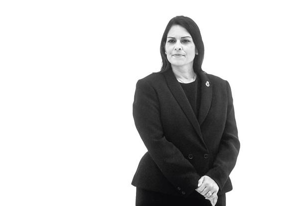 Priti Patel - Wil geen asiel voor illegalen