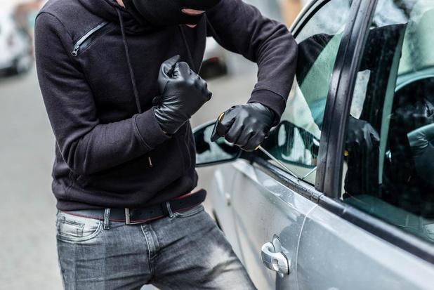 Jaar cel voor tweetal dat betrapt werd met twee rugzakken vol gestolen goederen