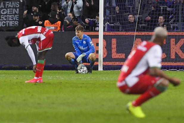 Spelers Essevee betalen na pandoering in Anderlecht kosten van supporters terug; mental coach ontslagen