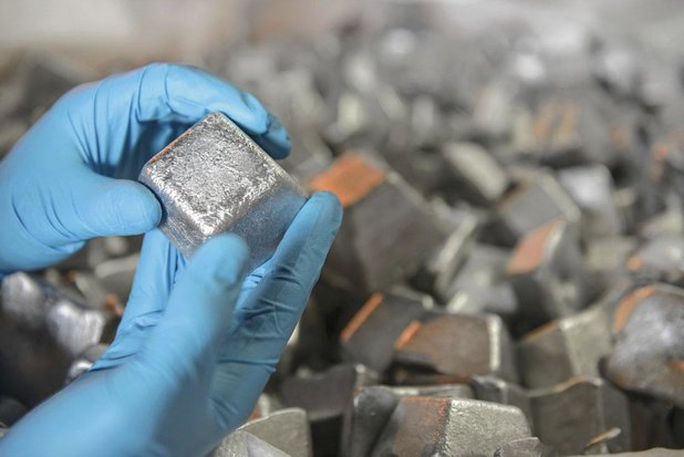 Devises et métaux précieux: le cours de l'argent s'envole
