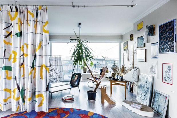 Joyeux champ de bataille: un appartement décoré comme une installation artistique