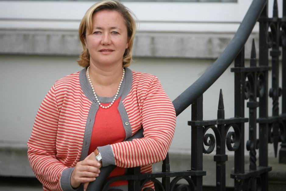 Dochter van Wilfried en mee op Veiligheidsraad: wie is waarnemend gouverneur Anne Martens?