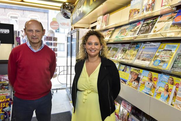 Jan De Blauwe laat na meer dan veertig jaar krantenwinkel over aan Jane