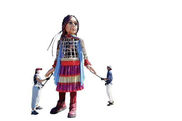 Qui est Amal, la marionnette géante qui défile à Bruxelles ?
