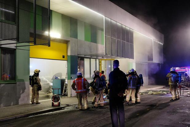 Oplaadbare LED-lamp veroorzaakt brand in school in Veurne