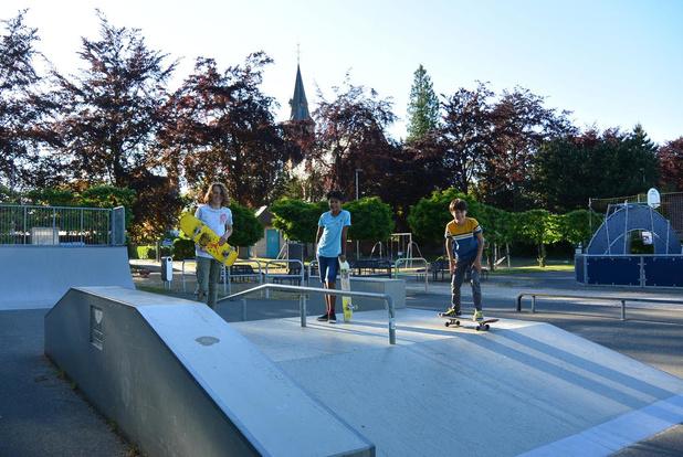 Kleine speelpleinen in Oostkamp weer open, skateparken ook, maar onder toezicht.