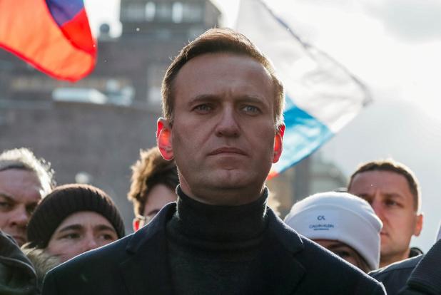 Poetin-opposant Navalny naar Duitsland gevlogen voor medische behandeling
