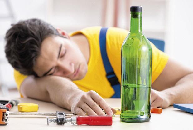 Groupes d'entraide pour alcooliques : efficaces et économiques ?