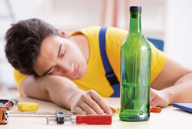 Zelfhulpgroepen voor alcoholici: effectief en kostenbesparend?