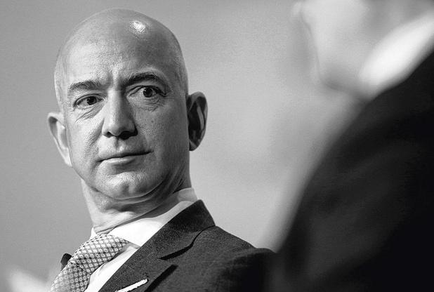 Bezos stapt naar rechter omdat Musk maanlander mag bouwen