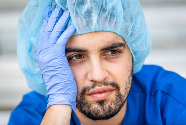 """Anonieme verpleger getuigt: """"Niet normaal is het nieuwe normaal"""""""