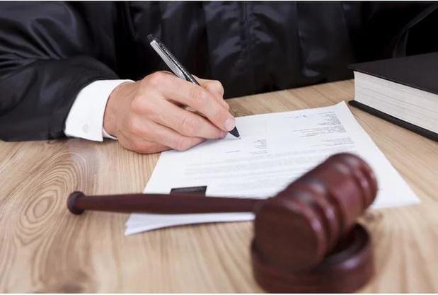 55-jarige man voor de rechter voor spuwen naar kassierster