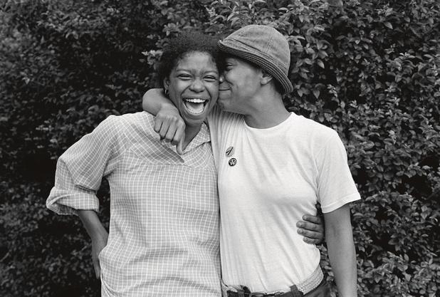 Une femme avec une femme par Joan E. Biren (en images)