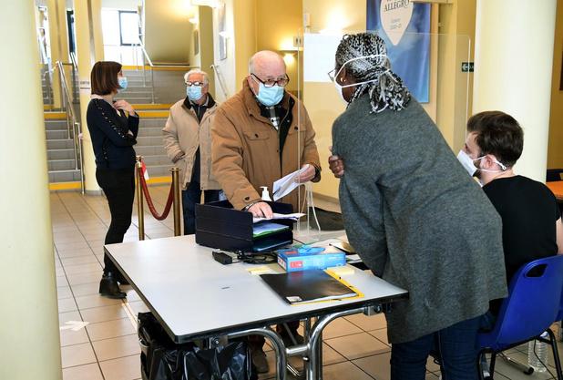 Centres wallons de vaccination: l'appel à volontaires fait un tabac