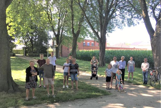 """Tinekeswijk verzamelt 208 handtekeningen: """"Bescherm onze mooie bomen!"""""""