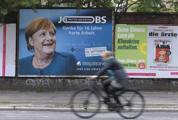 """Le règne de Merkel sur l'Allemagne et sur l'Europe se résume-t-il à la figure de la """"Mutti""""?"""