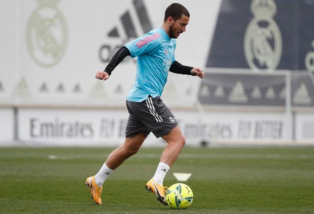 Eden Hazard bedankt lezers Sport/Voetbalmagazine: 'Het heeft me veel plezier gedaan' (VIDEO)