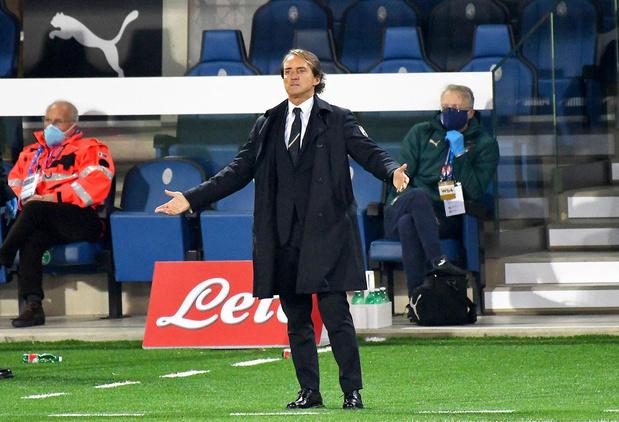"""Roberto Mancini ou l'Italie en reconquête: """"Les meilleurs prennent les coups"""""""