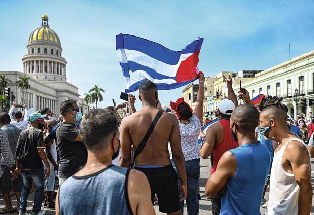 L'internet mobile rétabli à Cuba, mais sans accès aux réseaux sociaux