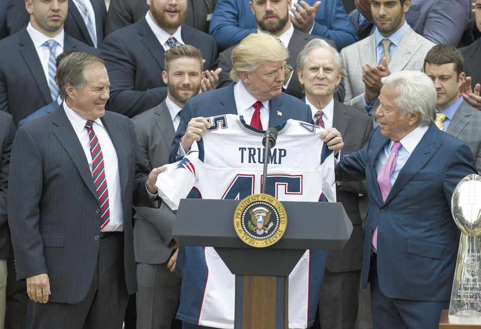 Donald Trump en de Amerikaanse sport: verdeel, stunt en misluk