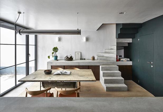 Variations sur un bel-étage: l'élégante maison de la créatrice des sacs NO/AN