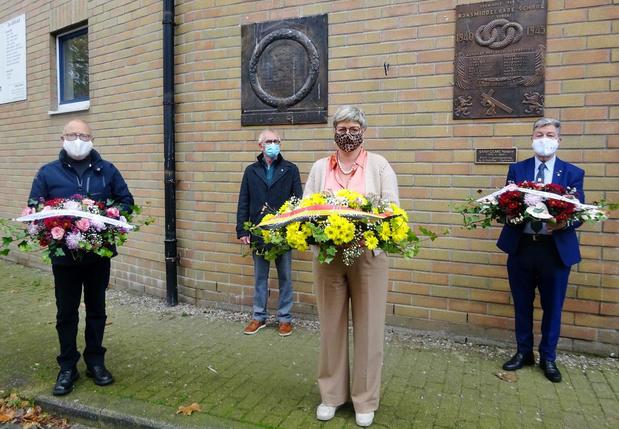 Oud-leerlingen Koninklijk Atheneum Veurne herdacht