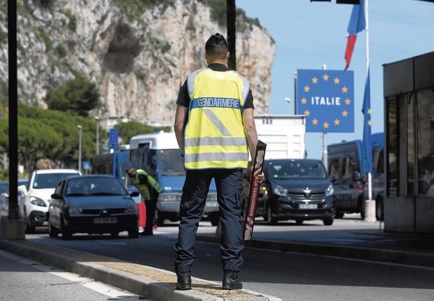 """Cédric Herrou: """"la gestion de l'immigration contribue au racisme"""" (entretien)"""