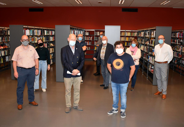 """Stad en Cultuurraad lanceren Publicatiefonds Ieper: """"We willen literair talent steunen"""""""