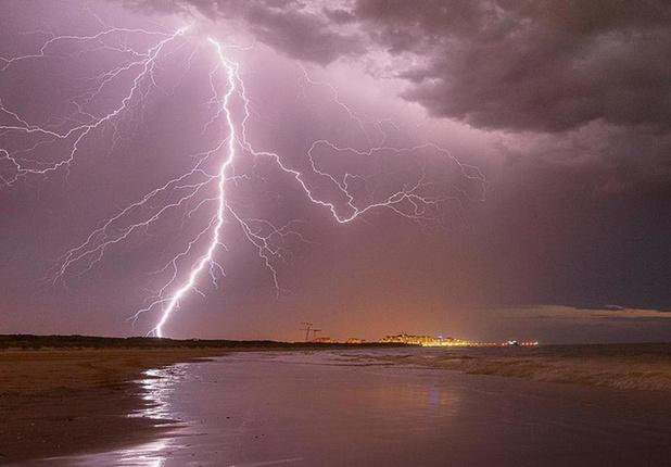 KMI waarschuwt voor onweer en kondigt code oranje af voor heel het land
