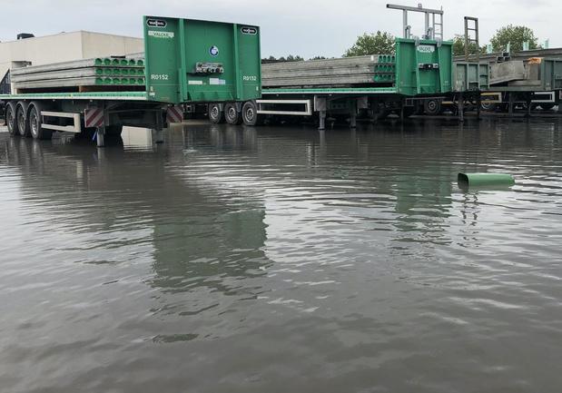 Betonbedrijf Valcke in Vlamertinge overstroomd na wolkbreuk