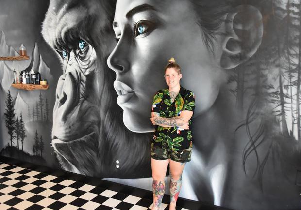 Tattoo-artieste Julie Bouckhuyt 'Djoels' brengt eerbetoon aan vermoorde Julie Van Espen