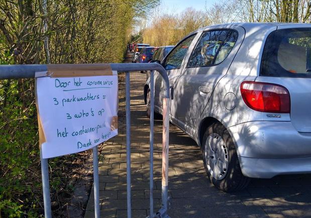 """Kortrijkse containerparken overspoeld door bezoekers: """"Zijn de mensen gek geworden?"""""""