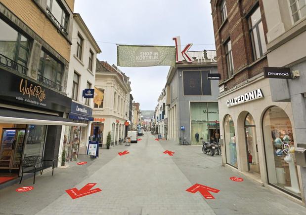 Winkelen in Kortrijk: toegangspoorten, wachtzones, betalend parkeren en coronapatrouilles