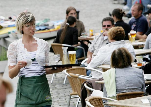 """Cafés en restaurants blijven zeker tot 8 juni dicht: """"Drastische steunmaatregelen nodig"""""""