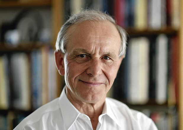 """Axel Kahn: un généticien qui """"aime les personnes comme elles sont"""" (entretien)"""