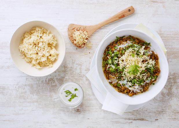 Linzencurry met gebakken rijst