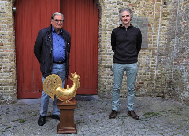 Torenhaan Guido opnieuw op torenspits Sint-Audomaruskerk