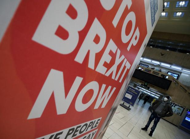 'Brexitonderhandelaars overschrijden deadline, maandag verder'
