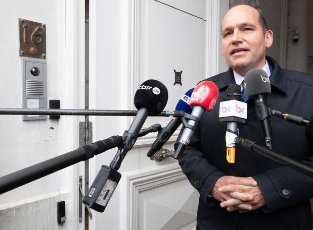 """Philippe Close, bourgmestre de Bruxelles : """"Actuellement, c'est beaucoup trop compliqué de se faire dépister"""""""