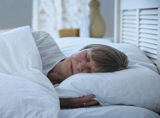 Pourquoi les patients asthmatiques dorment-ils sur le côté gauche?