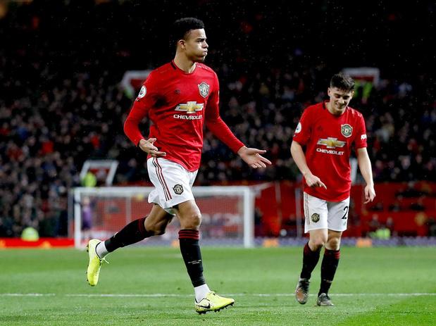 Slabakkend Manchester United vertrouwt op de jeugd