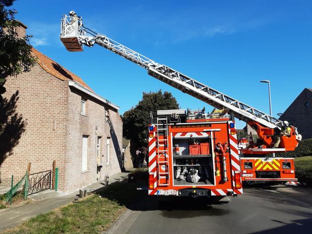 Afvalbrandje in kachel zorgt voor rookontwikkeling in huis