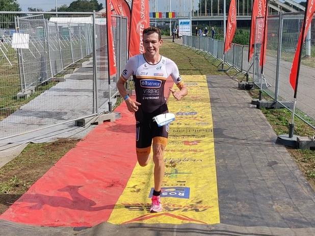 Sybren Baelde wint kwarttriatlon in Viersel