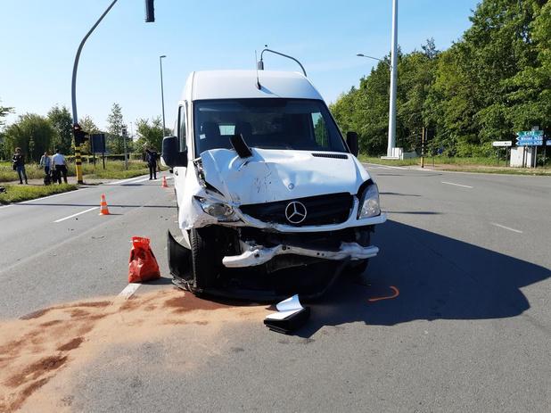 Even verkeershinder door aanrijding op Rijksweg