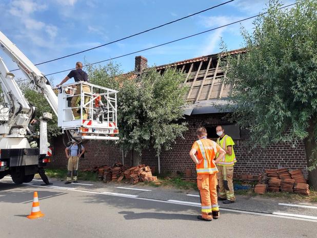 Brandweer rukt uit voor losse dakpannen in Tielt