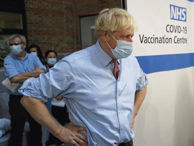 Royaume-Uni: plus de 20 millions de personnes ont déjà reçu une première dose de vaccin
