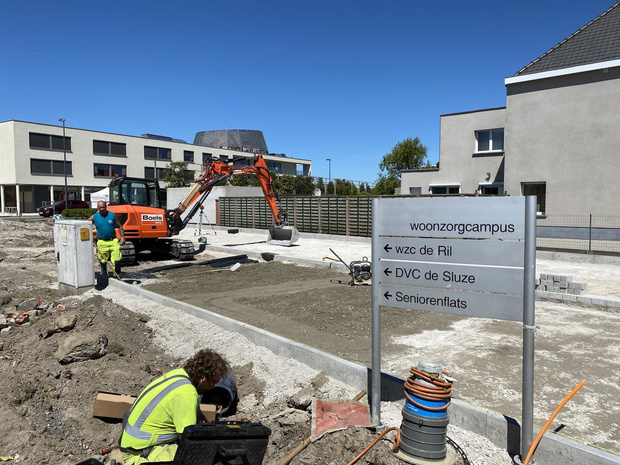 Nieuwe parking aan woonzorgcentrum De Ril moet plaats bieden aan twaalf wagens