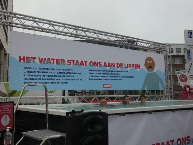 ABVV Antwerpen toont 'water aan de lippen' van sociale zekerheid