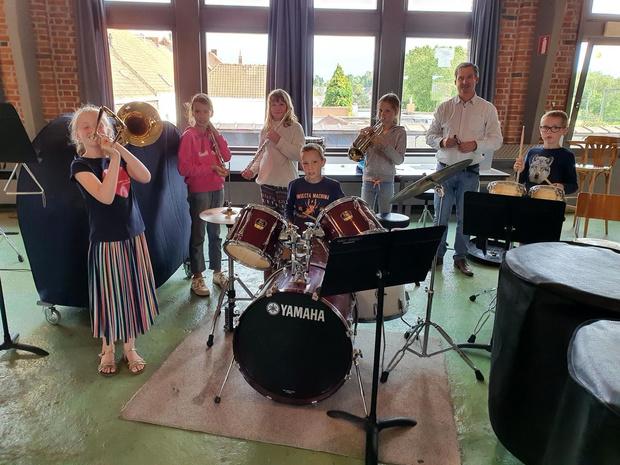 Harmonie Kunst Veredelt in Ingelmunster repeteert weer na 3,5 maand lockdown