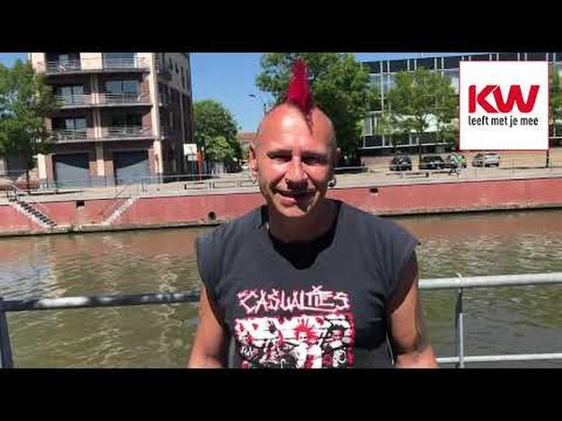 Marino Punk treedt op aan het woon-en zorgcentrum H. Hart in Kortrijk (19 mei 20